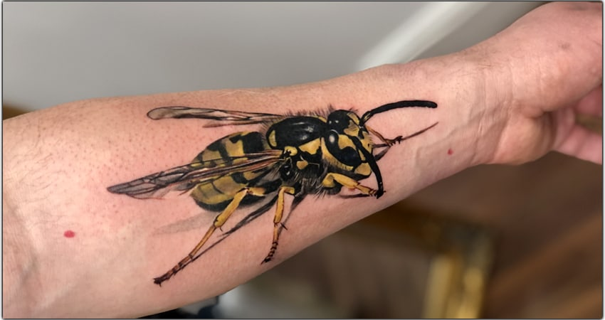 Top 36 Wasp Tattoo Ideas In 2021 [Symbolism, Meanings, And More]